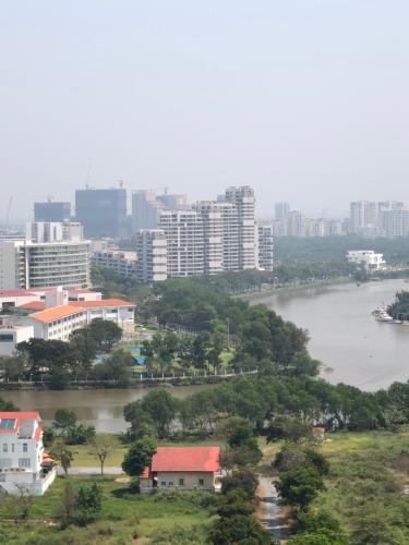 View Saigon South Residence  Căn hộ Saigon South Residence tầng thấp, view sông thoáng mát.