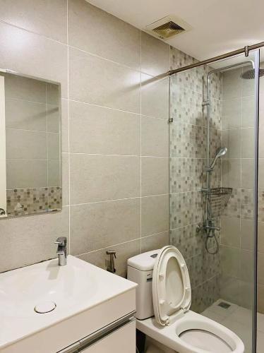 Toilet Kingston Residence, Phú Nhuận Căn hộ Kingston Residence hướng Đông Nam, view thoáng mát.