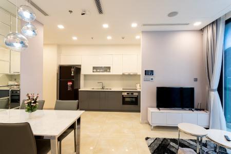 Cho thuê căn hộ Vinhomes Golden River 2PN, tháp The Aqua 1, đầy đủ nội thất, ban công Đông Bắc