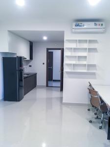 Cho thuê căn hộ Saigon Royal 1 phòng ngủ, tháp B, diện tích 35m2, đầy đủ nội thất