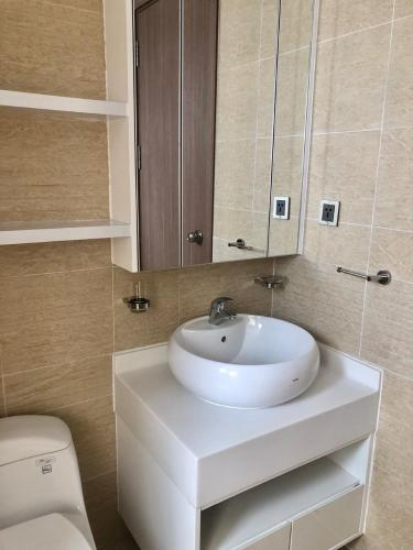 Phòng tắm Căn hộ Vinhomes Central  Park Căn hộ Vinhomes Central Park đầy đủ nội thất, view thành phố sầm uất.