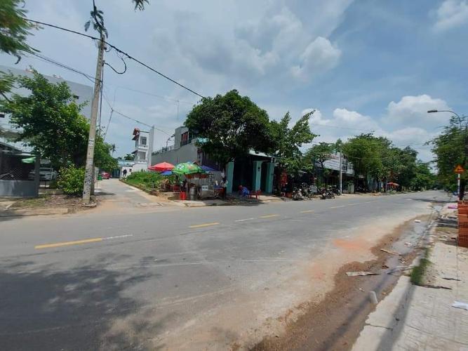 Đường nhà phố Tam Bình, Thủ Đức Nhà nguyên căn mặt tiền Thủ Đức, thích hợp mở văn phòng kinh doanh.