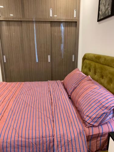 Phòng ngủ căn hộ Vinhomes Golden River Bán căn hộ Vinhomes Golden River tầng cao, diện tích 45m2 - 1 phòng ngủ, đầy đủ nội thất.