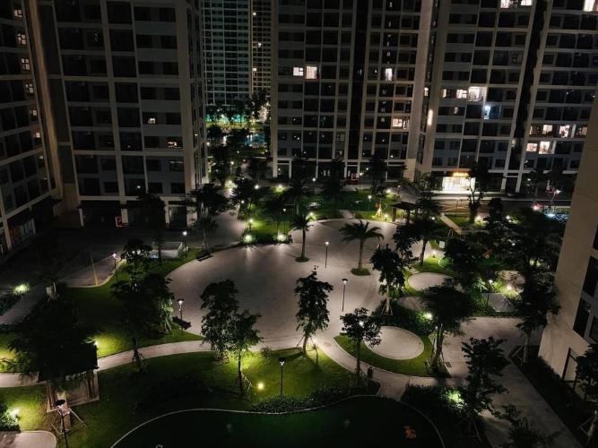View ban đêm  căn hộ Vinhomes Grand Park Căn hộ Vinhomes Grand Park tầng thấp, nội thất cơ bản.