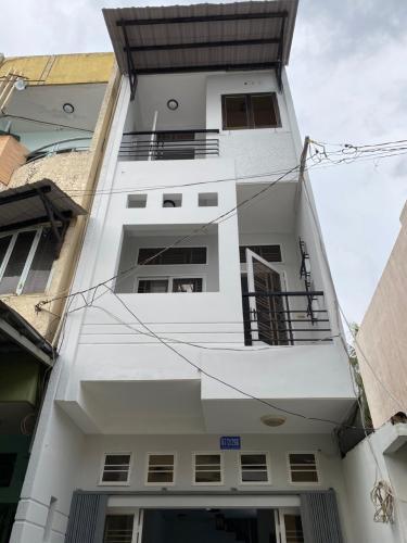 Bán nhà hẻm Trần Bình Trọng nở hậu 3.7m, cách mặt tiền lớn 50m.