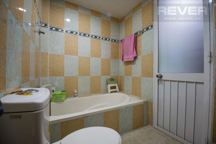 Toilet 1 Bán nhà phố 2 tầng, 3PN tại Bình Thạnh, diện tích 158m2, sổ hồng chính chủ