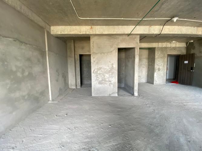 Bán căn hộ Lavida Plus tầng cao, ban công thoáng mát, tiện ích đầy đủ.