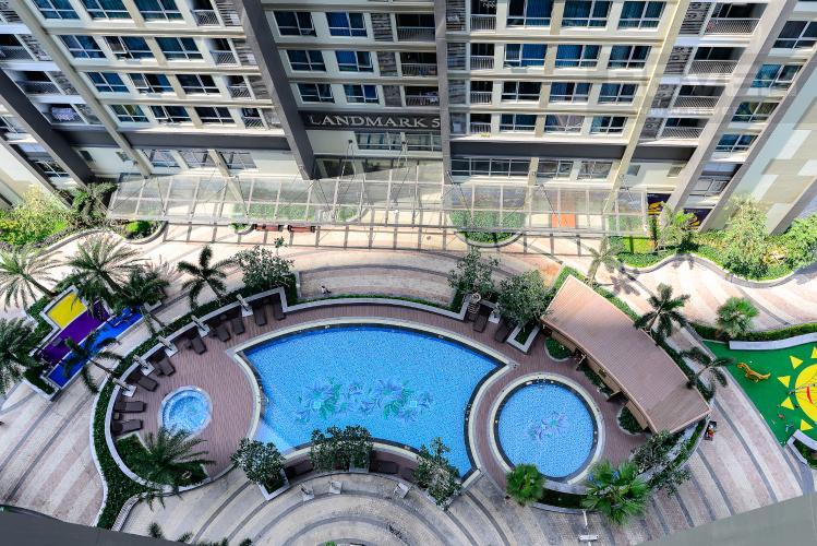 View Cho thuê căn hộ Vinhomes Central Park 50.5m2 1PN 1WC, nội thất tiện nghi, view hồ bơi