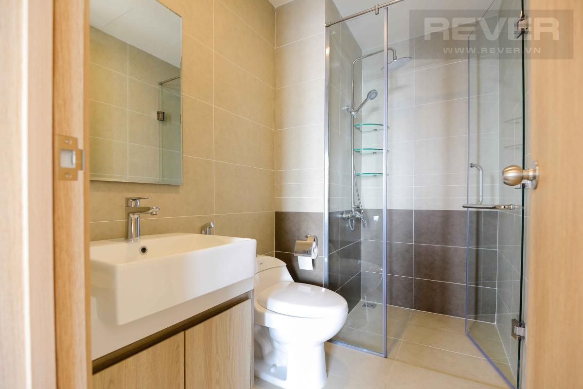 WC Cho thuê căn hộ The Sun Avenue 2 phòng ngủ, tầng cao, block 5, view Đông Nam thoáng mát