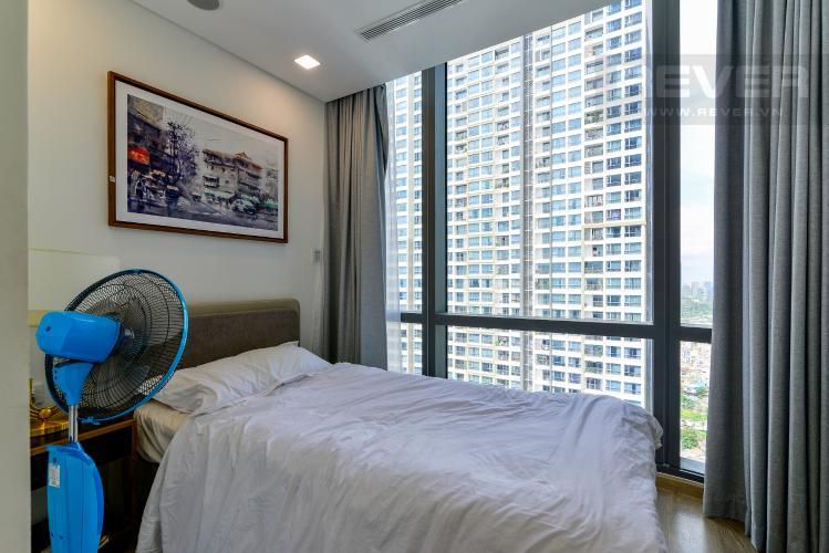 Phòng Ngủ 2 Bán hoặc cho thuê căn hộ Vinhomes Central Park 3PN, tháp Landmark 81, đầy đủ nội thất, view sông Sài Gòn