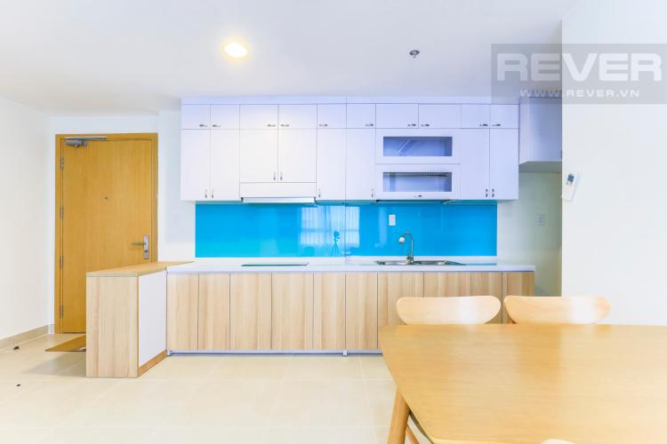 Phòng bếp rộng rãi với thiết kế mở Căn hộ Masteri Thảo Điền tầng cao T4B 2 phòng ngủ nội thất đầy đủ
