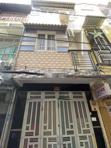 Nhà phố 1 trệt 2 lầu hướng Đông Nam hẻm đường Đoàn Văn Bơ