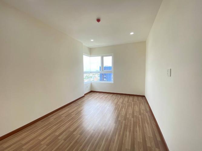 Phòng ngủ căn hộ chung cư Diamond Riverside, Quận 8 Căn hộ Daimond Riverside nội thất cơ bản cao cấp, view nội khu.