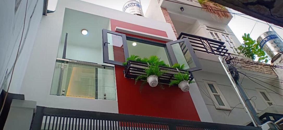 Bán nhà phố 2 tầng hẻm 11 đường Tô HIến Thành phường 15, quận 11, diện tích đất 37.2m2, diện tích sàn 67.2m2.