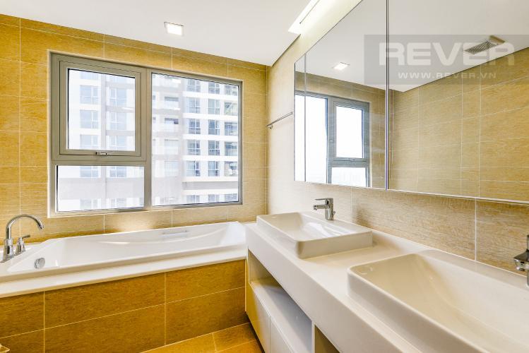 Phòng tắm 3 Căn góc Vinhomes Central Park 4 phòng ngủ tầng cao P4 view sông