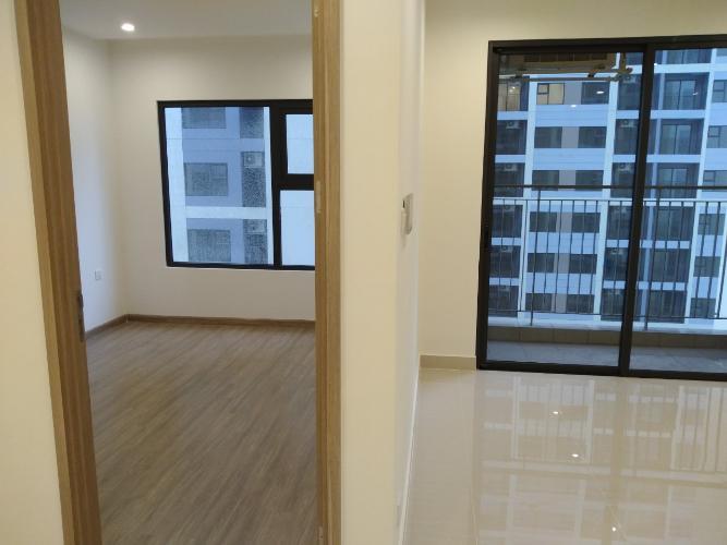 phòng khách  căn hộ Vinhomes Grand Park Căn hộ Vinhomes Grand Park tầng 24, nội thất cơ bản, view thành phố.