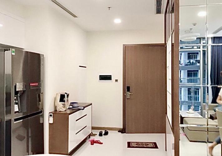 Nội thất căn hộ Vinhomes Central Park , Quận Bình Thạnh Căn hộ Vinhomes Central Park hướng Đông, bàn giao nội thất đầy đủ hiện đại.