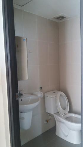 Phòng tắm Sky 9, Quận 9 Căn hộ Sky 9 tầng cao, hướng Đông Nam, nội thất cơ bản.