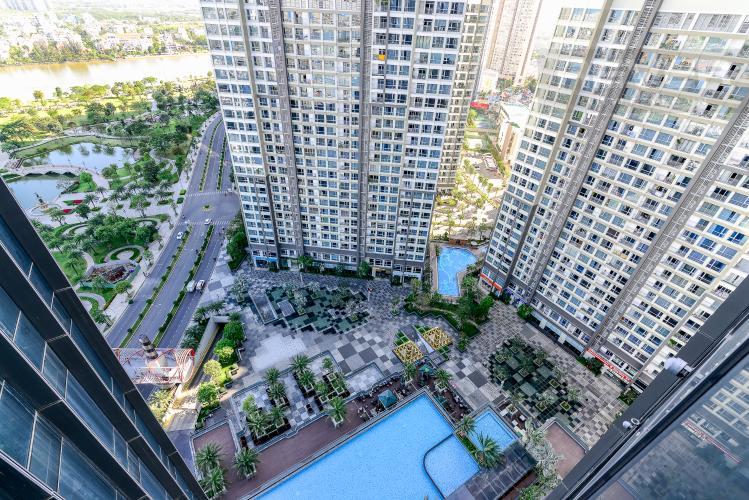 View Căn hộ Vinhomes Central Park tầng cao, tháp Landmark 81, 2PN, view hồ bơi