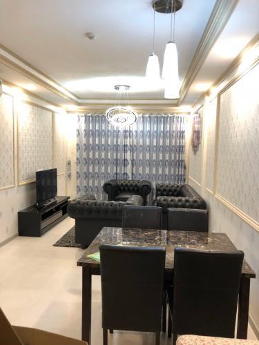 Bán căn hộ The Gold View thuộc tầng cao, 2 phòng ngủ, diện tích 85m2, đầy đủ nội thất.