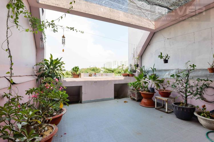 Sân Thượng Cho thuê nhà đường Quốc Hương, 2 lầu 4PN 3WC, hướng Đông Bắc, đầy đủ nội thất