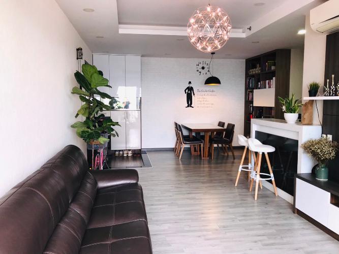 Phòng khách căn hộ Sunsire City Căn hộ Sunrise City khu North ban công lớn view thành phố thoáng mát.