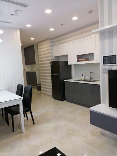 Bán căn hộ Vinhomes Golden River 2PN, tầng cao, diện tích 74m2, đầy đủ nội thất, sổ hồng chính chủ