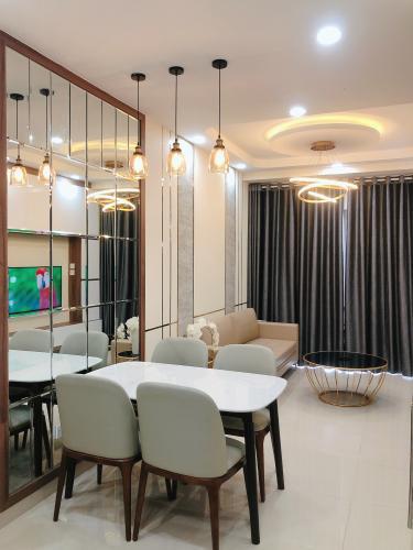 phòng khách căn hộ The Sun Căn hộ The Sun Avenue đầy đủ nội thất, view thành phố.