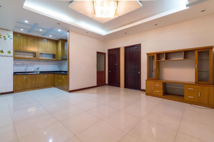 Cho thuê căn hộ 2 phòng ngủ tại chung cư Khánh Hội 1, diện tích 72m2, không nội thất, hướng ban công Đông Nam