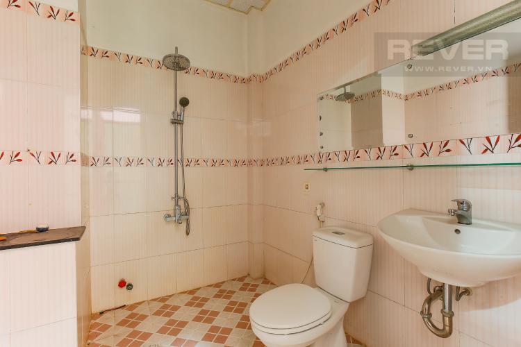 Phòng Tắm tầng 2 Biệt thự 4 phòng ngủ đường Lý Phục Man Quận 7