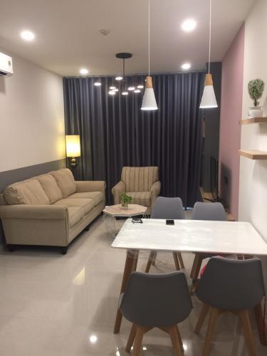 Phòng khách Saigon Royal, Quận 4 Căn hộ Saigon Royal view thoáng mát, ban công hướng Tây Bắc.