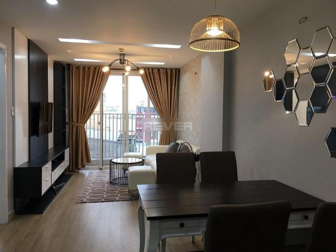 Căn hộ The Harmona tầng thấp, nội thất đầy đủ, sàn gỗ sang trọng.
