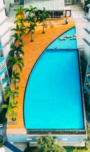 View Hồ Bơi Căn hộ Chung cư Phú Mỹ tầng cao, 3PN, nội thất đầy đủ, view hồ bơi