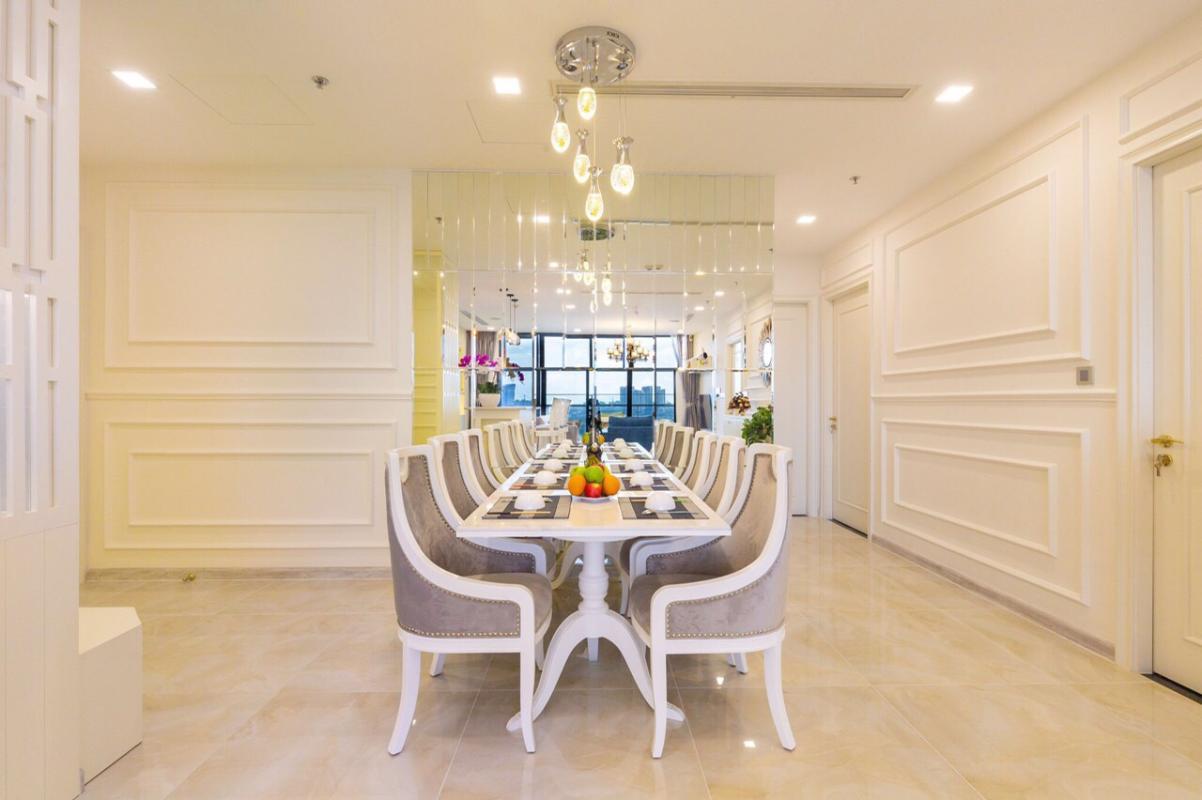 1571470394219 Bán hoặc cho thuê căn hộ Vinhomes Golden River 3PN, đầy đủ nội thất, view sông Sài Gòn và bán đảo Thủ Thiêm