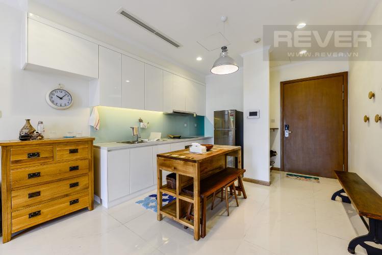 Bàn ăn Cho thuê căn hộ Vinhomes Central Park tầng cao, view đẹp, đầy đủ nội thất