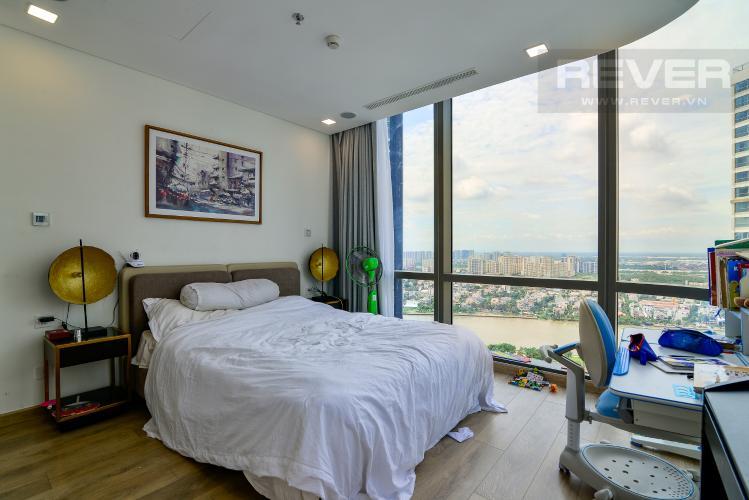 Phòng Ngủ 3 Bán hoặc cho thuê căn hộ Vinhomes Central Park 3PN, tháp Landmark 81, đầy đủ nội thất, view sông Sài Gòn
