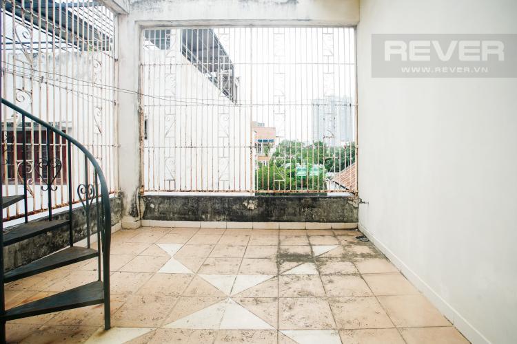 Ban Công Bán nhà phố 2 tầng, đường 73, phường Tân Quy Q.7, diện tích đất 135m2, đầy đủ nội thất, cách Lotte Mart 500m