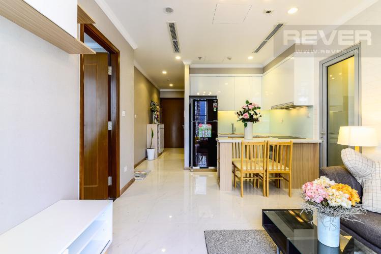 Phòng Khách Căn hộ Vinhomes Central Park 2 phòng ngủ tầng cao L1 hướng Nam