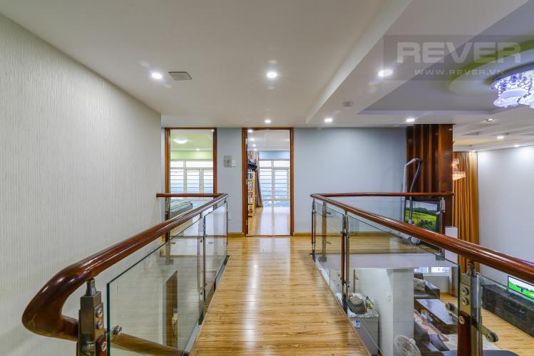 Hành Lang Căn hộ Phú Hoàng Anh tầng cao 4 phòng ngủ đầy đủ nội thất