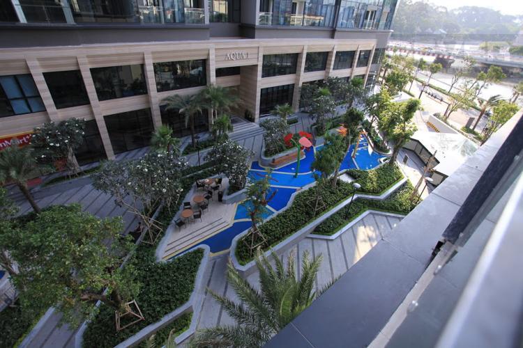 View Bán hoặc cho thuê căn hộ Vinhomes Golden River 2PN, tầng thấp, đầy đủ nội thất, view hồ bơi nội khu