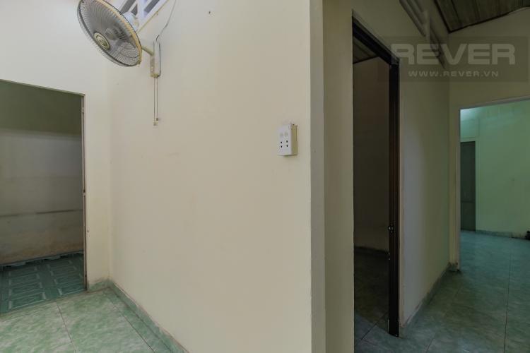 Lối đi Cho thuê nhà phố mặt tiền, diện tích 180m2, có thể làm nhà xưởng, kho bãi, văn phòng