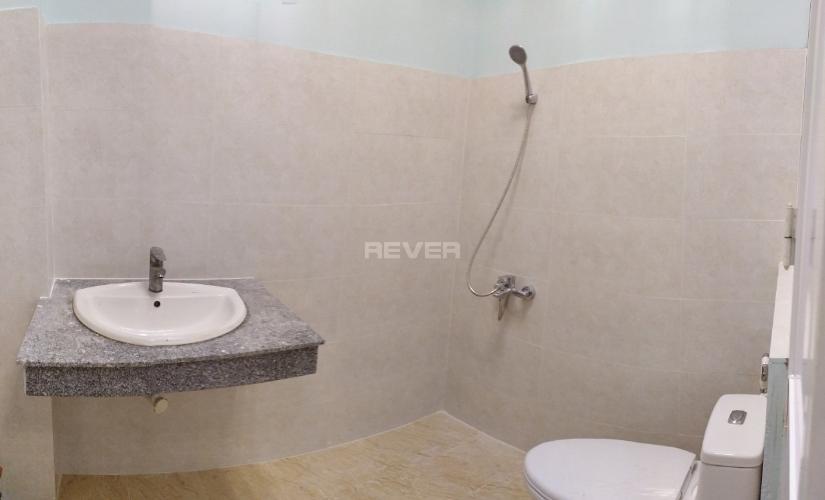 Toilet nhà phố Thảo Điền, Quận 2 Nhà phố mặt tiền khu Thảo Điền, hướng Đông, rộng 120m2.