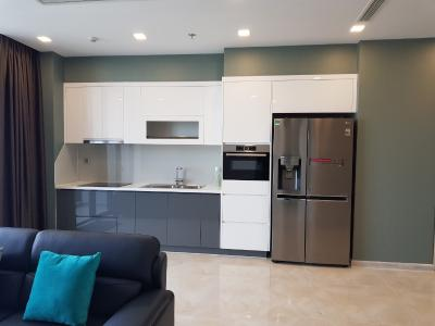 Bán căn hộ 2 phòng ngủ Vinhomes Golden River tầng trung view đẹp, diện tích 73m2