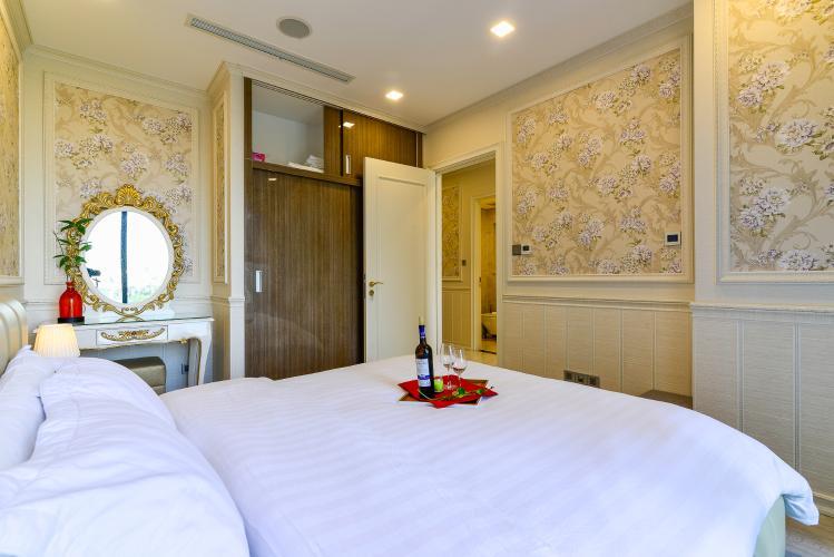 _DSC1626 Bán căn hộ Vinhomes Golden River 1 phòng ngủ, tầng thấp, đầy đủ nội thất sang trọng, view trực diện sông thoáng mát