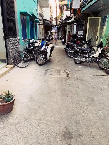 Nhà phố hẻm Tôn Đản, quận 4 Nhà phố hẻm đường Tôn Đản diện tích đất 28m2, thuận tiện di chuyển