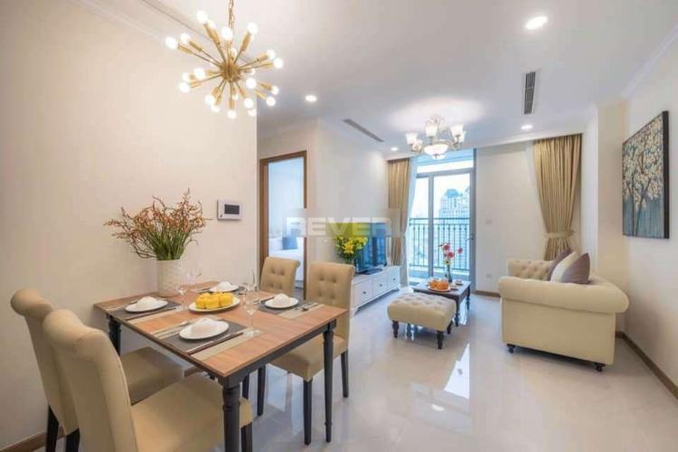 Phòng khách căn hộ Vinhomes Central Park, Bình Thạnh Căn hộ Vinhomes Central Park hướng Tây Nam, view nội khu yên tĩnh.