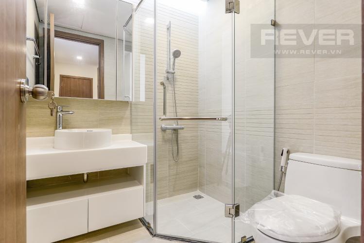 Phòng tắm 2 Căn góc Vinhomes Central Park 4 phòng ngủ tầng cao P4 view sông