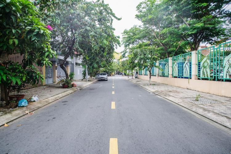 Lối Đi Bán nhà phố 2 tầng, đường 73, phường Tân Quy Q.7, diện tích đất 135m2, đầy đủ nội thất, cách Lotte Mart 500m