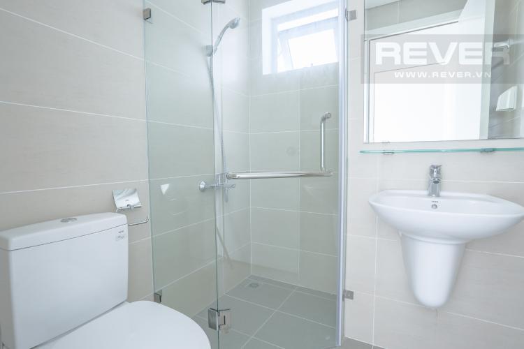 Phòng Tắm 2 Bán căn hộ LuxGarden tầng trung, 2PN, nội thất cơ bản