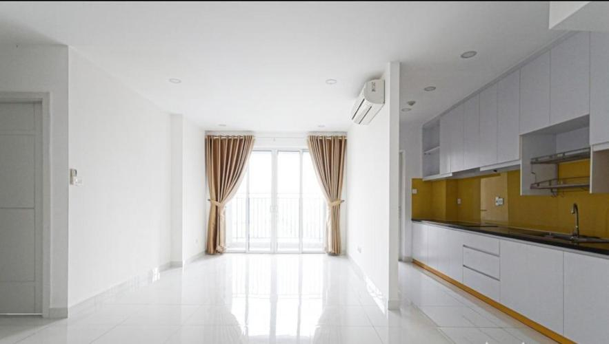 Căn hộ Sunrise City View nội thất cơ bản, view thành phố.